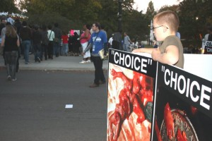 """Choice"" signs greet Obama ralliers."
