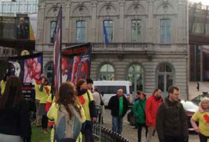 CBR's affiliate in Poland displayed CBR abortion photos signs in front of the European Parliament buildings in Brussels. This peaceful and lawful demonstration was later disrupted by angry pro-aborts.